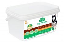 Сухой корм с курицей для взрослых собак средних пород My Family™ Medium Adult, 2 кг
